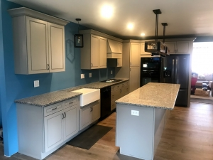 Greige Maple Cabinets with Salome White